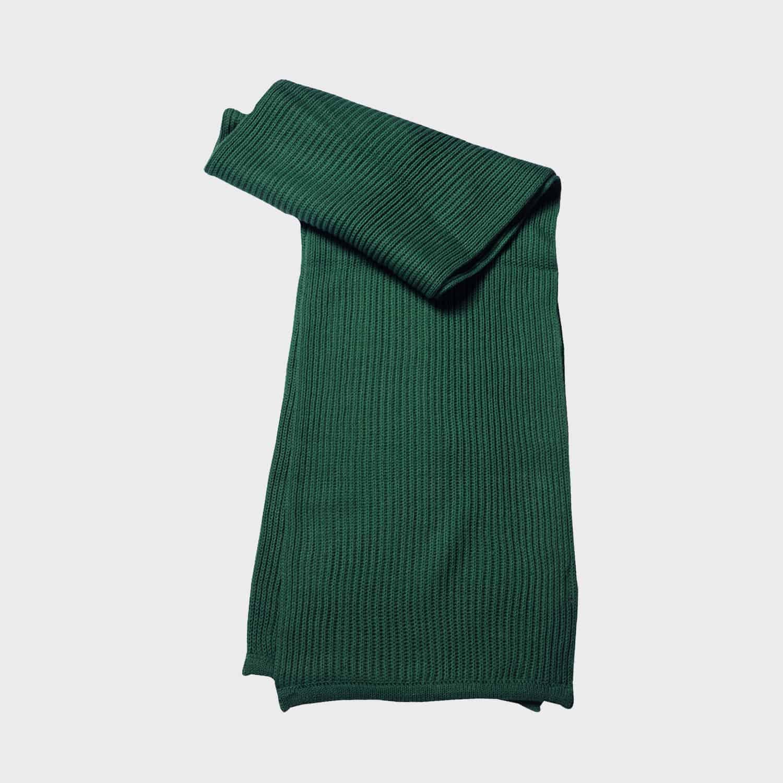 knitted-scarf-strickschal-dark-green-kaufen-besticken_stickmanufaktur